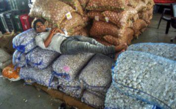 किसान आंदोलन का आज तीसरा दिन ,शब्जियाँ फल आदि की सप्लाई में दिक्कत