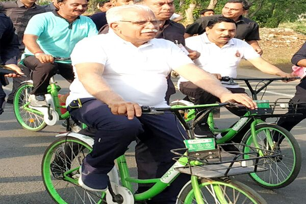 Leave the car on the CM's bike .. know why