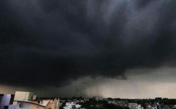 उत्तराखंड में भारी बारिश की चेतावनी, चार धाम यात्रा पर रोक