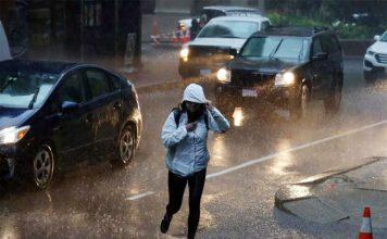 अगले 24 घंटों में भारी बारिश की सम्भावना, चलेंगी तूफानी हवाएं