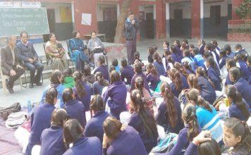 छात्राओं को दिया अंग्रेजी कम्युनिकेशन का प्रशिक्षण
