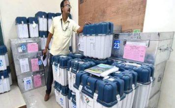 यूपी में EVM पर विपक्ष का बवाल, चुनाव आयोग ने खारिज किए सारे सवाल