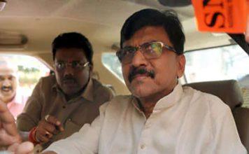 महाराष्ट्र में फडणवीस सरकार, राउत बोले- पवार ने अंधेरे में डाका डाला