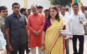 हैदराबाद कांड : मेनका गांधी सहित इन नेताओं ने एनकाउंटर पर उठाए सवाल